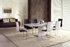 Valgomojo stalas Marcello išskleidžiamas Valgomojo stalai