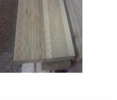 Lentos terasinės (maumedžio, rifliuota) 27 mm storio, 142 mm pločio, 6 metrų ilgio, Vieno ir dviejų pjovimų lentos