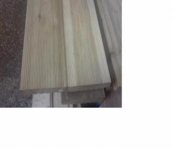 Lentos terasinės (maumedžio, rifliuota) 27 mm storio, 142 mm pločio, 3 metrų ilgio, Vieno ir dviejų pjovimų lentos