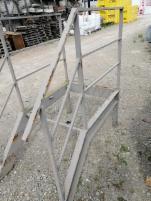 Laiptų aikštelė (naudota) Metalinės laiptų pakopos