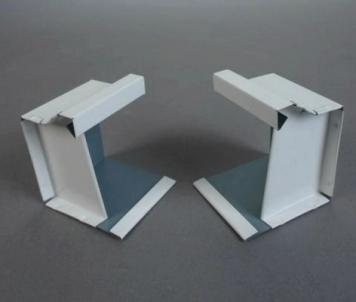 Latako galinis dangtelis stačiakampis 80x100 mm (poliesteris) Kanāls aptver