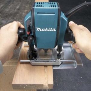 Makita RP0900K, Vertikali freza