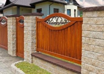 Betoninis tvoros stulpo elementas Matas J (galimybė rinktis spalvą) Tvoros stulpo elementai