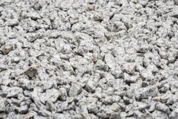 Dekoratyvinė skalda 8-16mm, šviesiai pilka, 20kg Dekoratyviniai akmenys, skalda