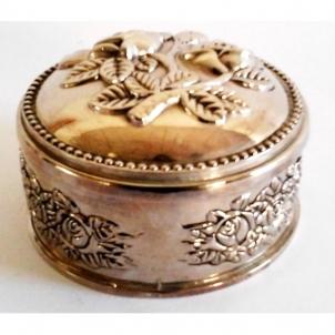 Dėžutė juvelyrinė met. J126-4 Papuošalų dėžutės / kosmetinės