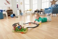 FJK25 Thomas & Friends TrackMaster Twisting Tornado Set Dzelzceļa bērniem