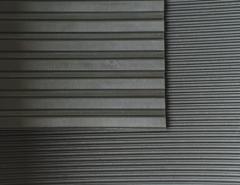 Kilimėlis plačiai rifliuotas 4mm. Kiti techninės gumos produktai