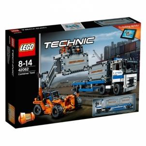 Konstruktorius LEGO Container Yard