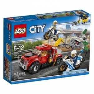 Konstruktorius LEGO Tow Truck Trouble