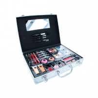 Cosmetic set 2K Beauty Unlimited Train Case Cosmetic 63,2g Cosmetic kits