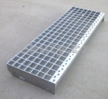 Steel stair steps, galvanized 1000x300/30x2/33x33