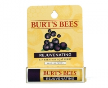 Lūpų balzamas Burt´s Bees Acai Berry (Rejuvenating Acai Berry Lip Balm) 4,25 g Blizgesiai lūpoms