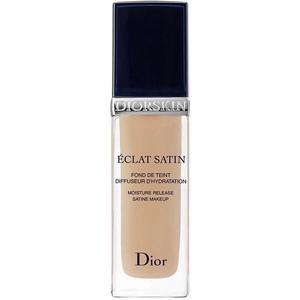 Makiažo pagrindas Christian Dior Diorskin Eclat Satin 302 Cosmetic 30ml Makiažo pagrindas veidui