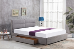 Miegamojo lova MERIDA šviesiai pilka