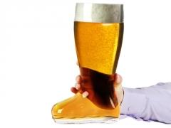 Milžiniškas alaus bokalas batas