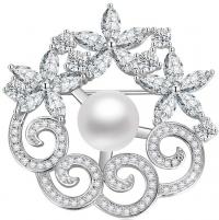 Sagė Beneto Silver Glittering Brooch with Genuine Pearl AGBR2 Brooch hanger