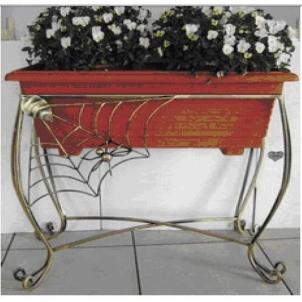 Stovas gėlių loveliui 10-1213 65*74*30cm Kalviški gėlių stovai ir kitos interjero puošmenos