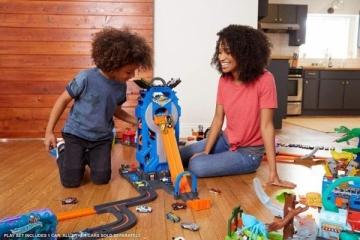Trąsos rinkinys FTB68 Hot Wheels City Mega Garage Connectable Play Set with Diecast and Mini Toy Car MATTEL