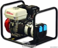 Vienfazis elektros generatorius FOGO FH3001R (2.5 kW) su ,,HONDA varikliu ir automatiniu įtampos reguliatoriu (AVR). Benzīna elektroģeneratoru