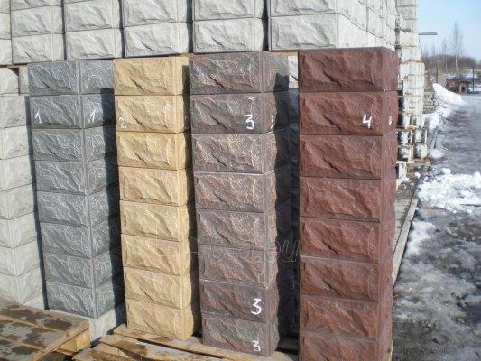 Tvoros stulpo blokelis 320x320x200 mm. Paveikslėlis 2 iš 2 239390000024