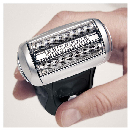 Barzdaskutė Braun Series 7 Shaver 7842s Wet use, Rechargeable, Charging time 1 h, Li-Ion, Battery powered, Number of shaver heads/blades 1, Black Paveikslėlis 3 iš 3 310820223229
