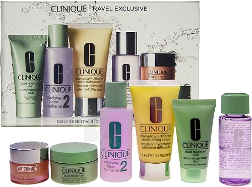 Cosmetic set Clinique Travel Exclusive Dry Combination Skin 220ml Paveikslėlis 1 iš 1 2508200000260