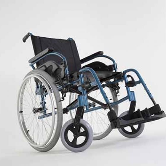 Universalaus tipo vežimėlis INVACARE Action 1R 45,5 cm Paveikslėlis 1 iš 1 310820217861